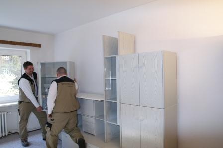 Aufbau der Möbel und Küche